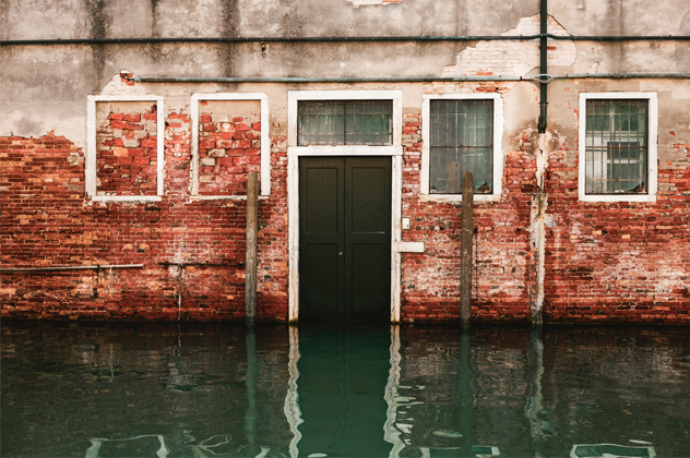Reactive flood damage cleaning